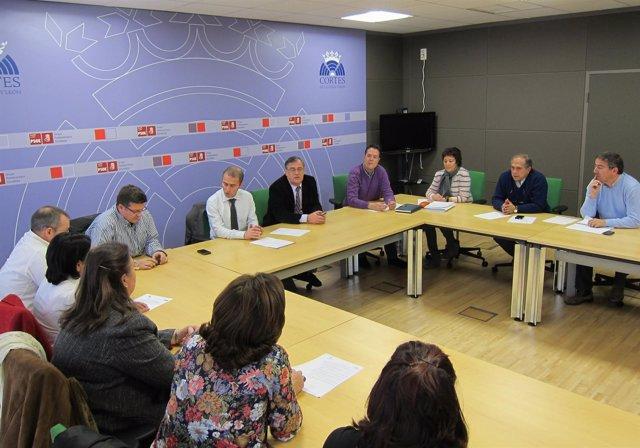 Procuradores Del PSCL Se Reúnen Con El Comité De Empresa De Elgorriaga