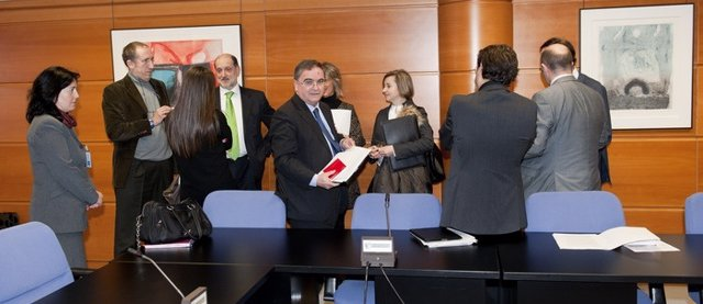 Reunión De Comisión De Gas No Convencional En Alava