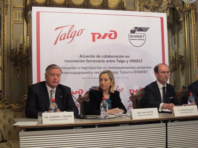 La Ministra De Fomento Con Los Presidentes De Talgo Y Ferrocarriles Rusos RZD