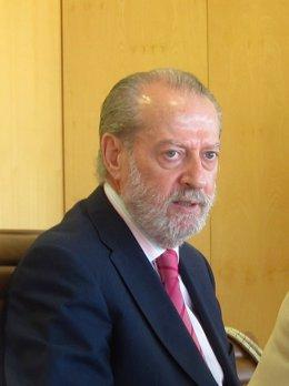 El Presidente De Diputación De Sevilla, Fernando Rodríguez Villalobos