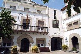 Fachada Del Ayuntamiento De Sant Pol De Mar