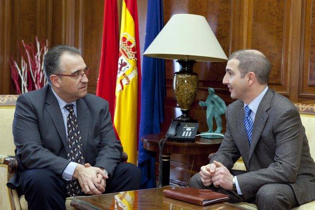 Enrique Maya Recibe Al Presidente De Unipro, Jesús María Sos.