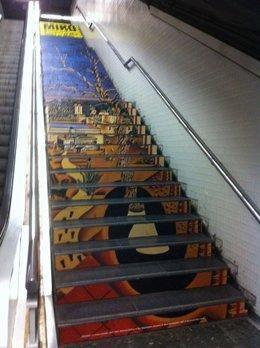 Exposición Obras Miró En El Metro De Barcelona