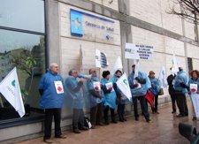 Delegados De CESM Valladolid Se Concentran Frente A La Gerencia De Sacyl