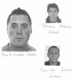 Policías Gallegos Intentando Rescatar A Unos Bañistas En A Coruña