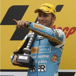 mattia pasini motociclismo ganador qatar 250cc