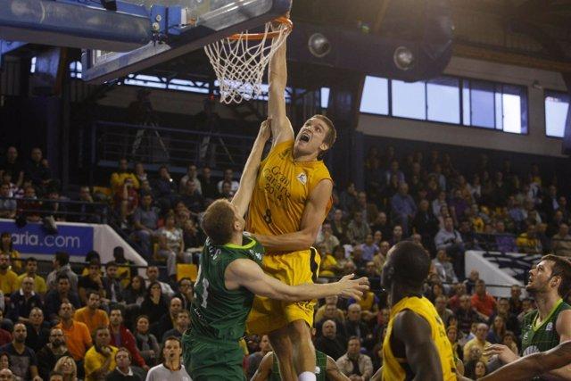Gran Canaria 2014 Y Valencia Basket Ganan Y Convencen