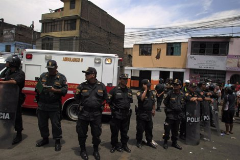 Fuego En Un Centro De Rehabilitación En Lima