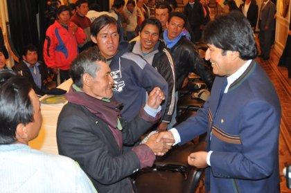 Morales insta a líderes indígenas a reunirse