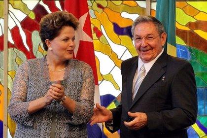 Rousseff viaja a Haití tras haberse reunido en Cuba con los hermanos Castro