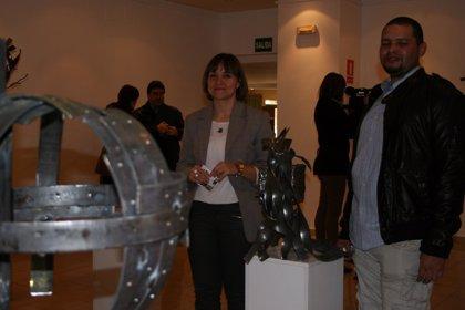 El artista colombiano Antonio Turriago exhibe sus esculturas en el Espacio Joven de Salamanca