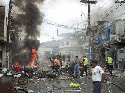 Mueren cinco personas en un atentado con coche bomba en de Colombia