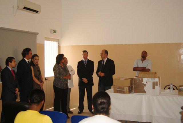Donación De Material Médico A Centro De Salud De Cabo Verde