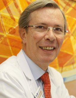 El Doctor Xavier Santos, Presidente De La SEHER