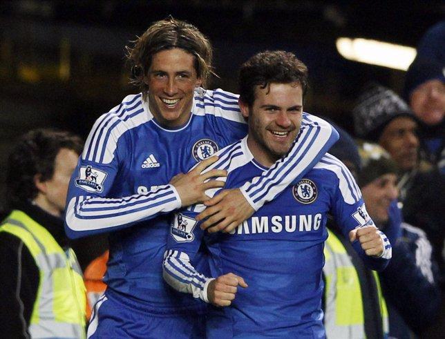 Fernando Torres Y Juan Mata Del Chelsea