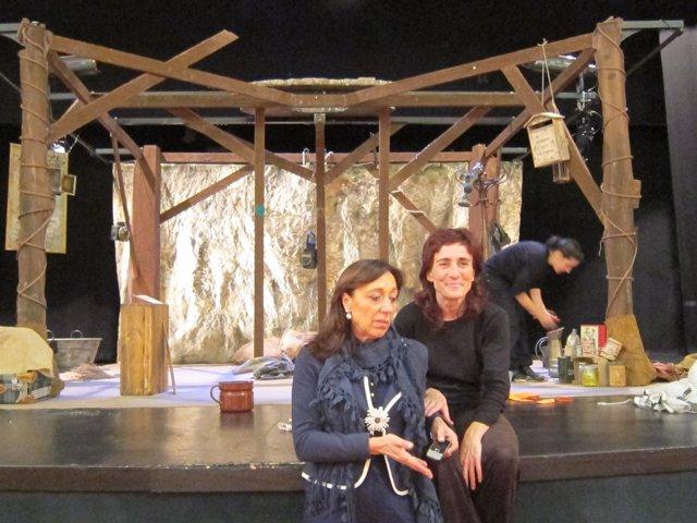 Inmaculada González Y Rosa Díaz En La Presentación De Teatro Y Escuela