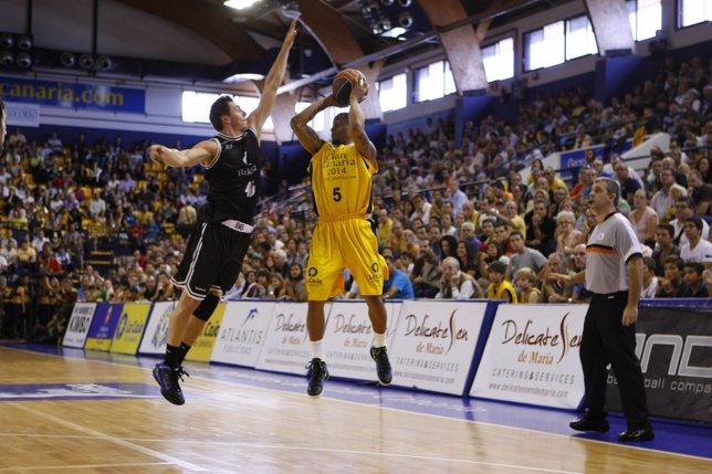 Janis Blums Y Taurean Green ,Gran Canaria 2014 - Bizkaia Bilbao Basket