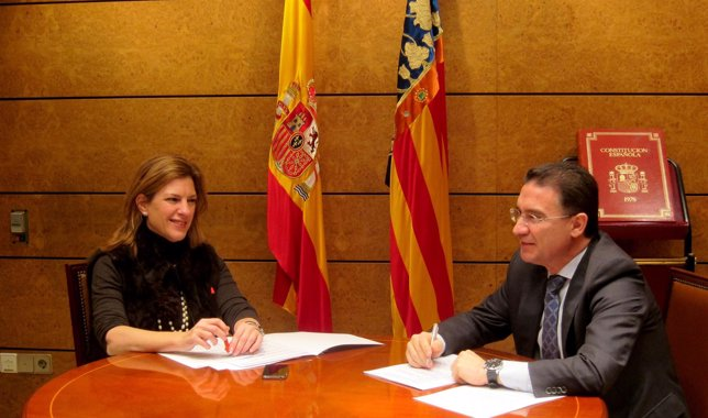 Paula Sánchez De León Y Serafín Castellano Se Reúnen