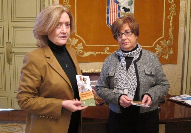 La Concejal Dori Barbero Y La Presidenta Del Colegio De Enfermería