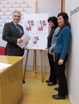 Artemio Domínguez, Pilar Fernández Y Asunción Bautista En La Presentación
