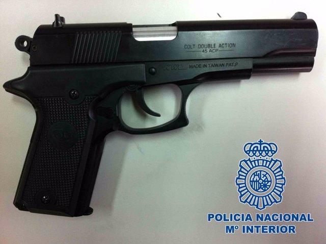 Pistola Utilizada En Los Atracos