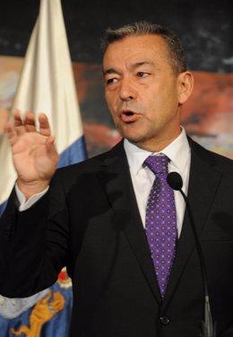 El Presidente Del Gobierno De Canarias, Paulino Rivero (CC)