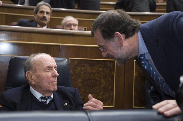 Fraga y Rajoy en el Congreso, en la aniversario del 23-F