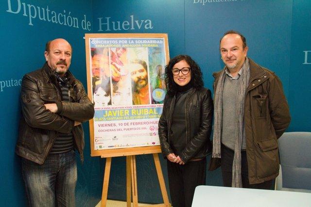 La Diputada Elena Tobar, Junto A Antonio Zurita Y El Artista Javier Rubial.