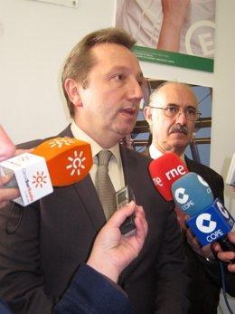 Manuel Recio, Ante Los Medios.