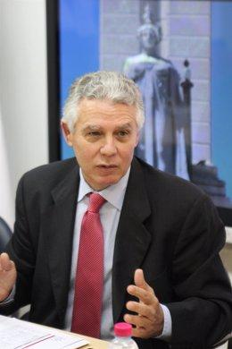 El Consejero De Gobernación Y Justicia, Francisco Menacho