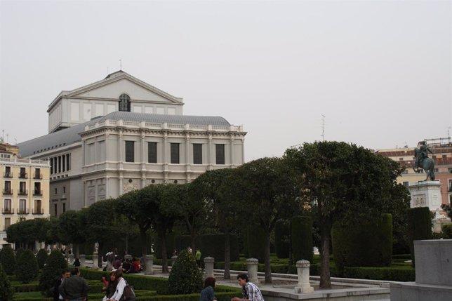 Plaza de Oriente, Teatro Real de Madrid