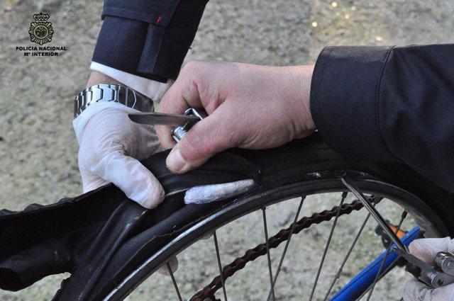 Droga Oculta En Ruedas De Bicicletas En Operativo En Ferrol
