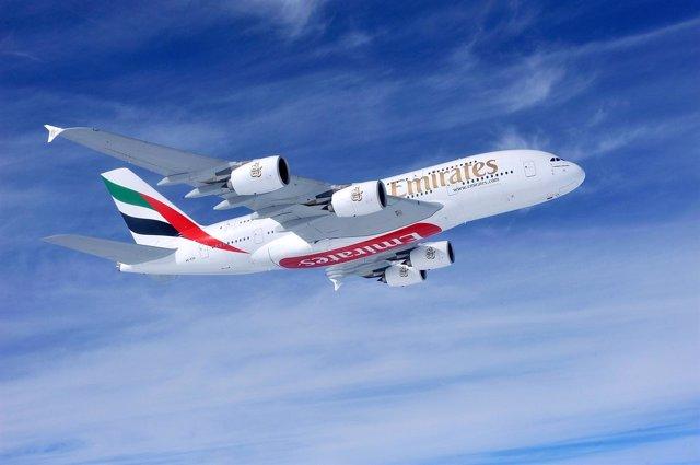 Emirates Busca 4.000 Tripulantes De Cabina En España