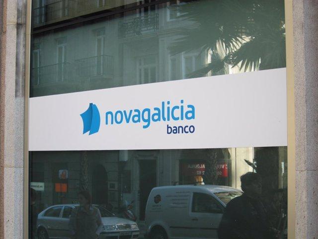 Oficina Con El Logo De Novagalicia Banco