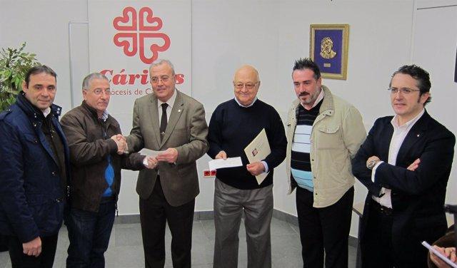 Donación De Los Cheques