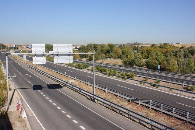 Barreras Metálicas En Autopista