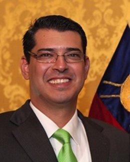 Francisco Hagó, Ministro De La Senami De Ecuador