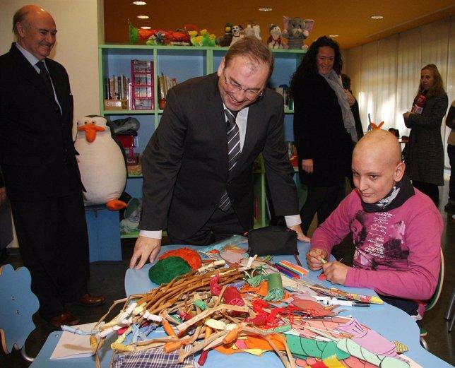 Visita A Residencia Infantil De Oncología