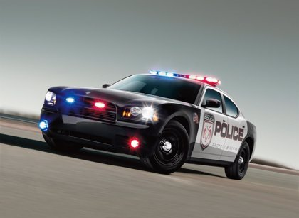 EEUU.- Chrysler llama a revisión cerca de 10.000 coches de Policía en Estados Unidos