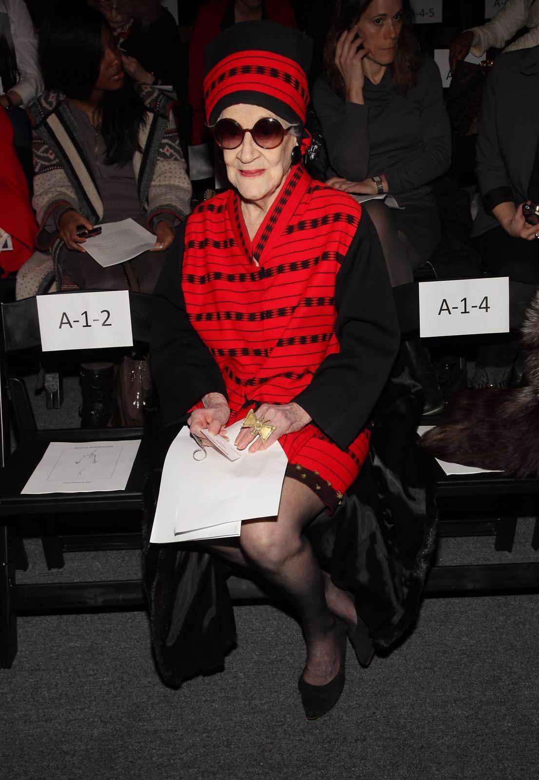 Zelda Kaplan En El Front Row De  Joanna Mastroianni, Minutos Antes De Su Muerte