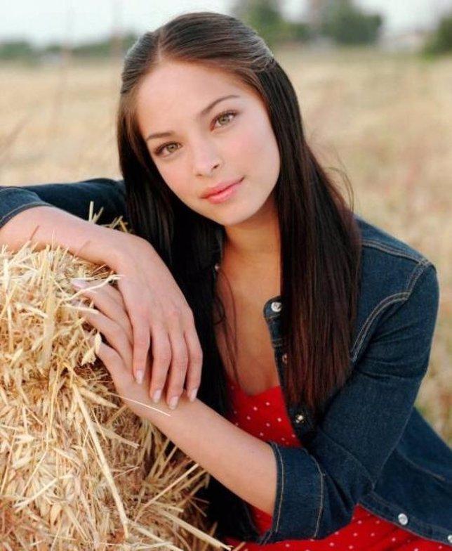 La Actriz Kristin Kreuk, En Su Papel En Smallville.