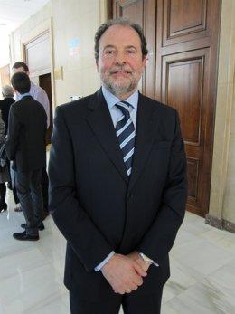 El Decano De La Facultad De Derecho De La UZ, Juan García Blasco