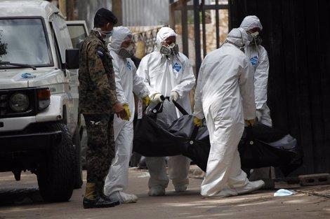 Traslado De Uno De Los Cadáveres De La Prisión Hondureña De Comayagua