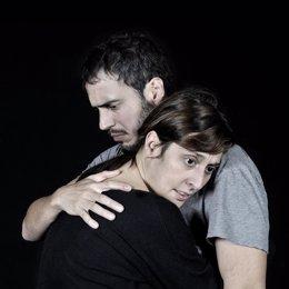 Los Actores Julio Manrique Y Clara Segura En 'Incendis'