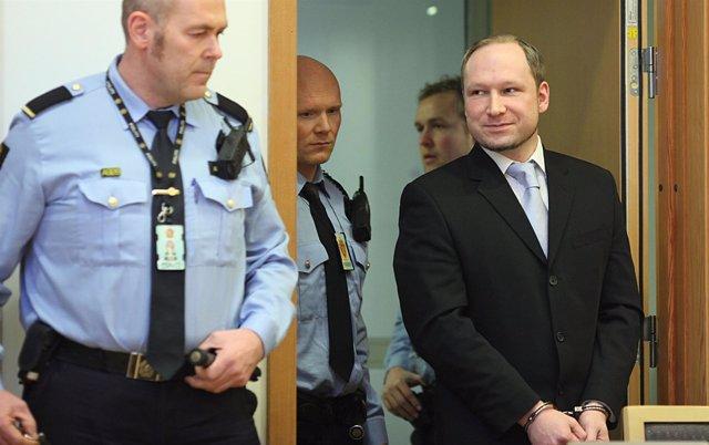 Breivik, Autor De La Masacre De Utoya, Oslo