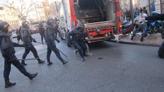 Durante Las Protestas Estudiantiles En Valencia
