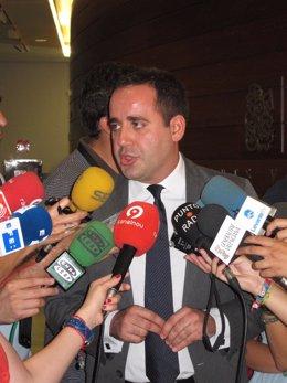 Jorge Alarte Atiende A Los Medios