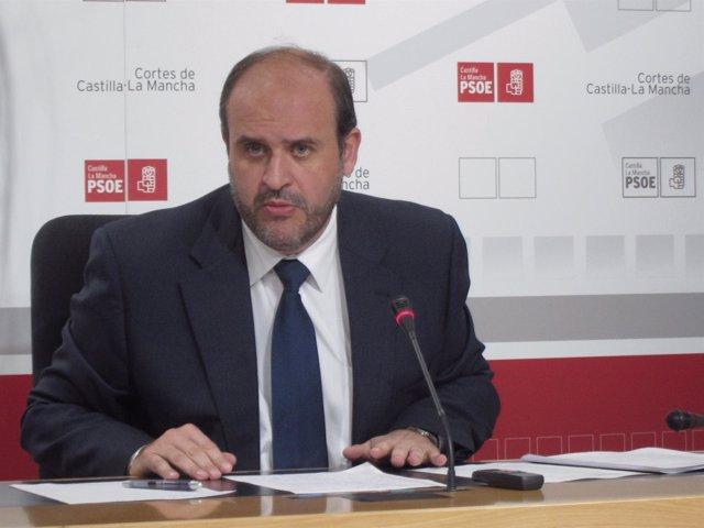Guijarro En Rueda De Prensa