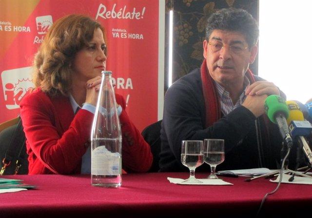 Diego Valderas, Junto A La Número Dos De IU Por Jaén, Juana De Dios Roca.