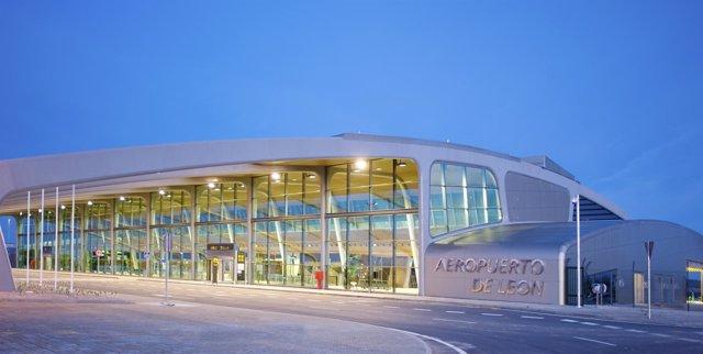En La Imagen, Instalaciones Del Aeropuerto De León.